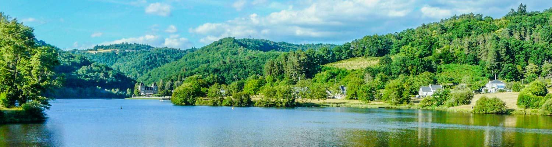 Camping côté lac de barrage correze